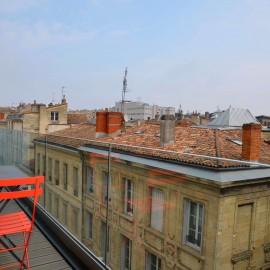 Appartement 160 m2, 3 chambres, Bordeaux hyper centre, ascenseurs, parking privé, balcon