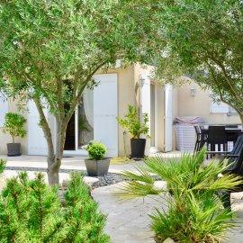 Bègles, maison familiale 170 m 2, 5 chambres, garage, jardin, piscine, terrasse