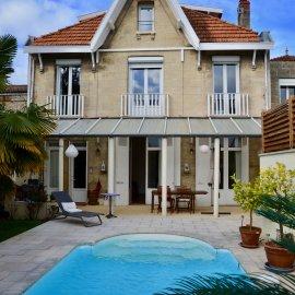 Bordeaux Caudéran Primrose, belle maison familiale en pierre avec piscine chauffée, garage 3 voitures, 6 chambres, jardin