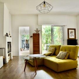 Appartement rénové avec jardin, une chambre, 57 m2 - Bordeaux François de Sourdis - Tram A & B, bus, idéal premier achat, investissement ou pied à terre