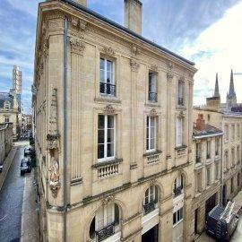 Ensemble immobilier, plateaux à réaménager, parkings, Bordeaux Centre