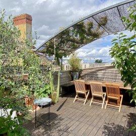 Duplex de 116 m2 avec terrasse de 24 m2, Bordeaux quai de Bacalan, vue Garonne, parfait état